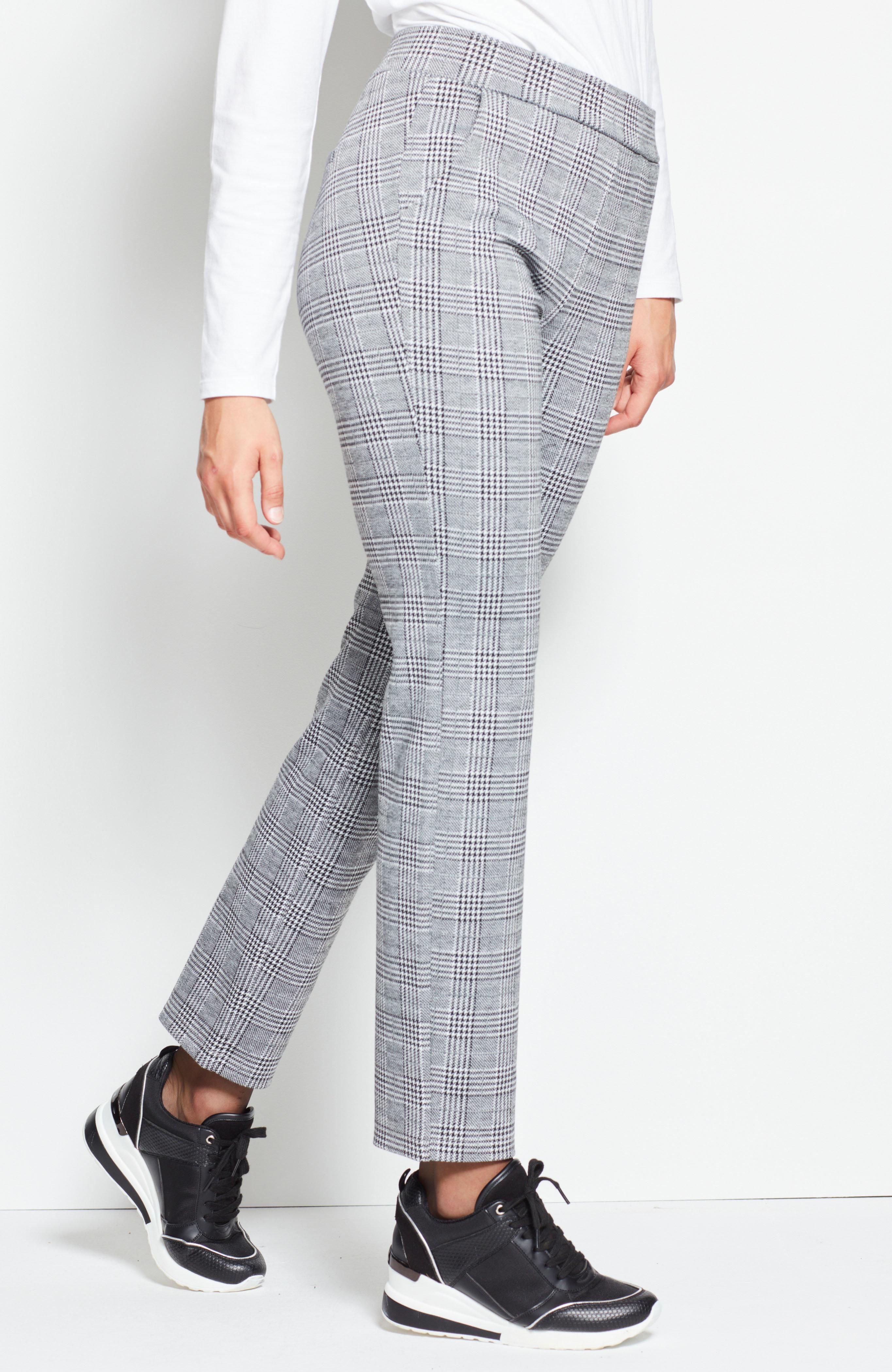 Rūtainas trikotāžas bikses.