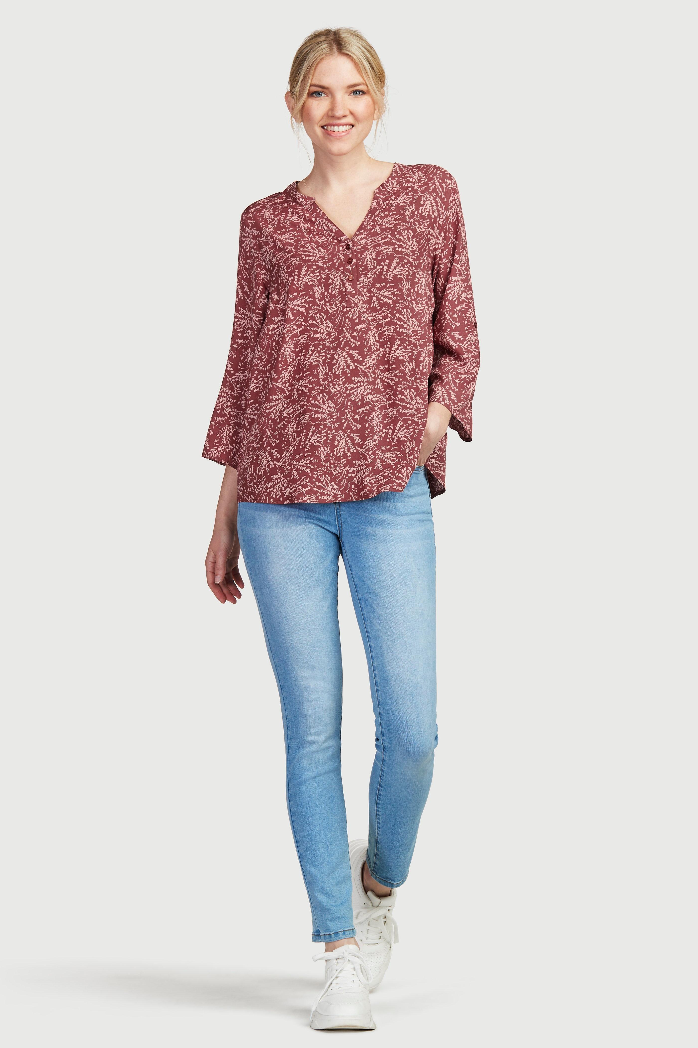 Augumu modelējoši džinsi ar paaugstinātu vidukli